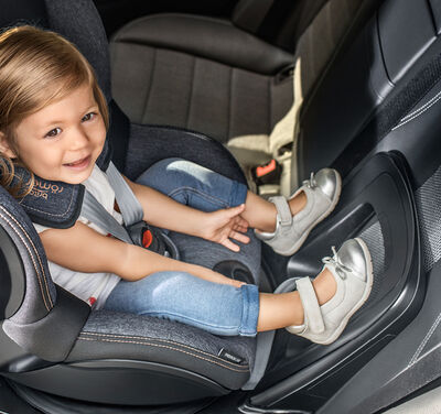 //www.britax-roemer.pl/dw/image/v2/BBSR_PRD/on/demandware.static/-/Library-Sites-BritaxSharedLibrary/default/dw66f02a49/Features/CarSeats/Feature-CS-AdjustableReboundBar.jpg?sw=400&sh=400&sm=fit