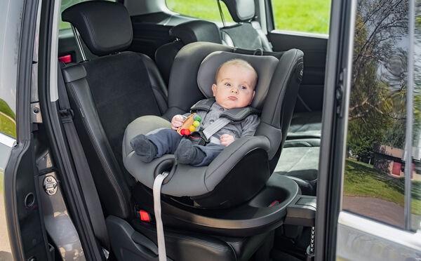 Highlight 9209 1 - Britax Römer DUALFIX² R obrotowy fotelik samochodowy kolor Cosmos Black
