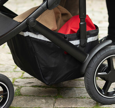 //www.britax-roemer.pl/dw/image/v2/BBSR_PRD/on/demandware.static/-/Library-Sites-BritaxSharedLibrary/default/dw8f49cae2/Features/WheeledGoods/Feature-WG-XLstorage3M.jpg?sw=400&sh=400&sm=fit