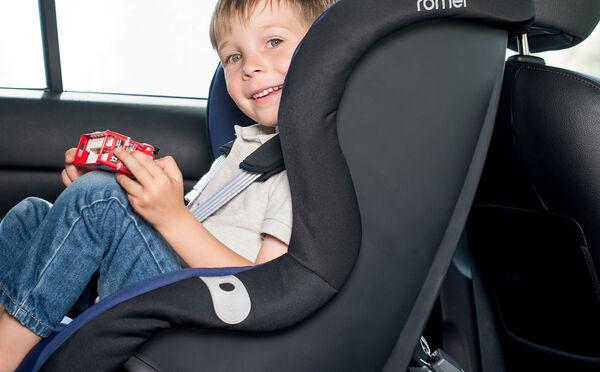 Zwrot tyłem do kierunku jazdy zapewnia bezpieczną podróż