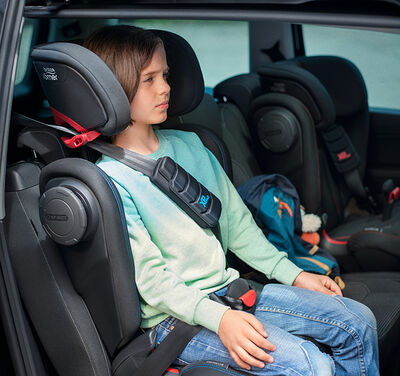 //www.britax-roemer.pl/dw/image/v2/BBSR_PRD/on/demandware.static/-/Library-Sites-BritaxSharedLibrary/default/dwcc26a8f4/Features/CarSeats/Feature-CS-HighbackBooster-9018.jpg?sw=400&sh=400&sm=fit