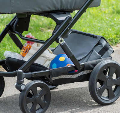 //www.britax-roemer.pl/dw/image/v2/BBSR_PRD/on/demandware.static/-/Sites-Britax-EU-Library/default/dwadabfcb6/Features/WheeledGoods/Feature-WG-XLstorage3M.jpg?sw=400&sh=400&sm=fit